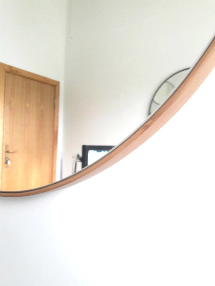 How to hang circular mirror